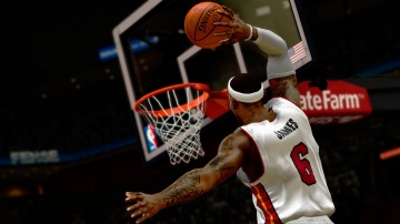 /products/NBA 2K14/screen9_large.jpg