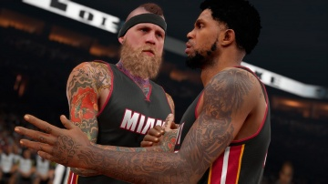 /products/NBA 2K15/screen2_large.jpg